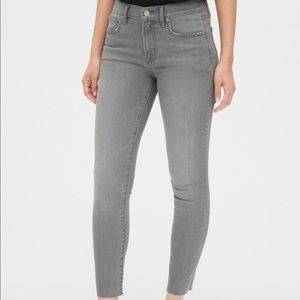 Women's true skinny jeans